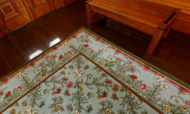 Ideas for decorating with rugs